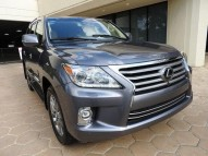 AM SELLING 2014 LEXUS LX 570 GCC SPECS